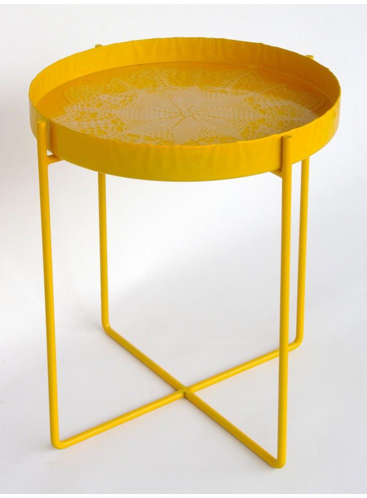 Tavolino vassoio e sgabello in ferro e resina for Tavolino vassoio