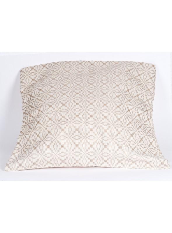 Cuscino ricamato a mano come da tradizione sarda