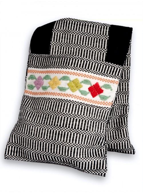 Bisaccia in lana e cotone ricamata a mano