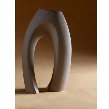 Vaso dalle linee morbide in gres porcellanato - Abbraccio beta