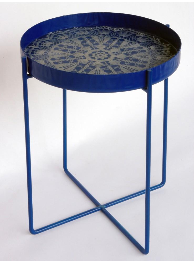 Tavolino vassoio e sgabello in ferro e resina for Tavolino sgabello