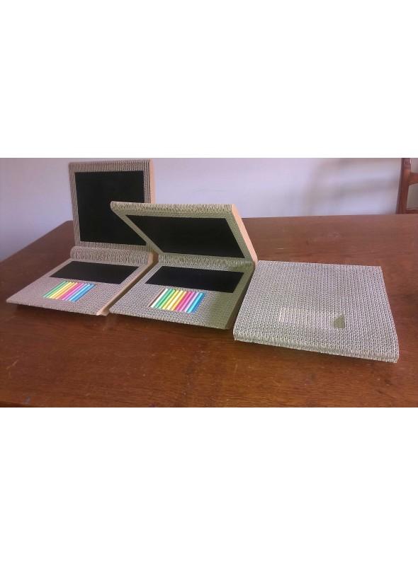 Lavagnetta di ecodesign in cartone a forma di PC