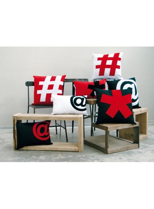 Cuscino colorato con segno tipografico Pillo (piccolo)