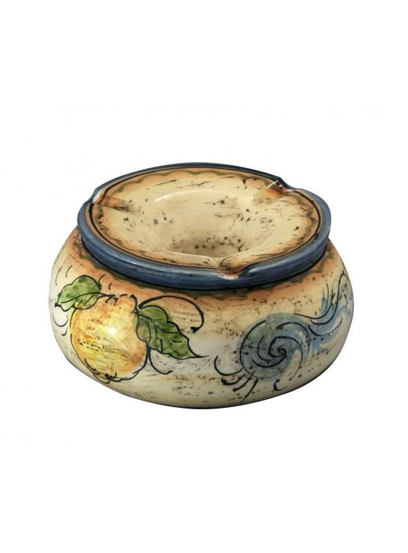 Posacenere ad acqua in ceramica di stile classico