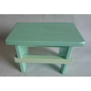 Sgabello in legno massello color verde acqua