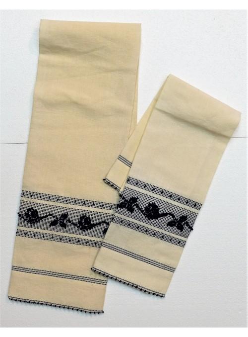Set di due asciugamani in lino ricamato a mano