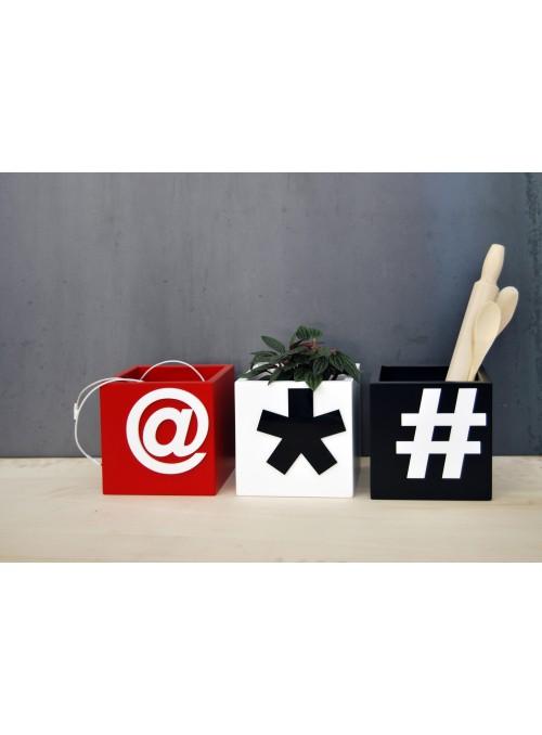 Portaoggetti colorato con segno tipografico - Buat