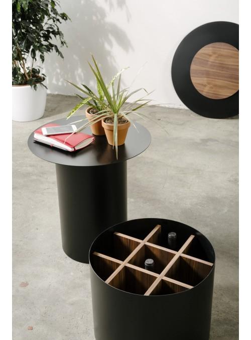 Tavolino contenitore vino con piano circolare in ferro - Chiodo NA6