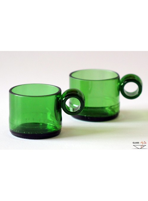 Coffee cups in recycled glass