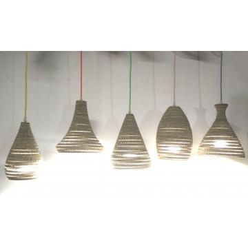 Lampade in cartone dalle forme diverse - 5 Stelle