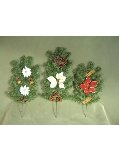 Set rami di pino con pigne, stelle e spezie