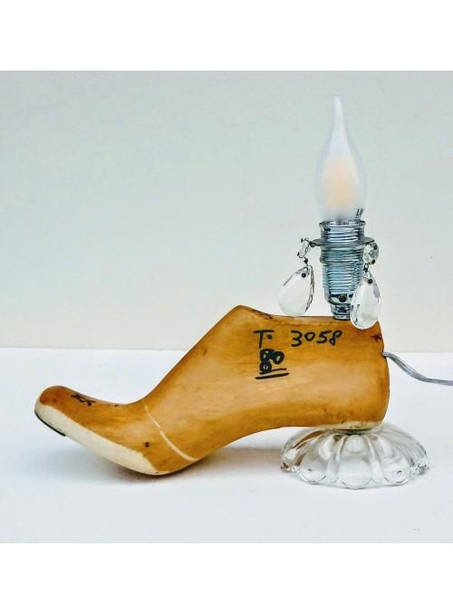 Lampada ricavata da una forma per scarpe e gocce di vetro - Jasmine 2