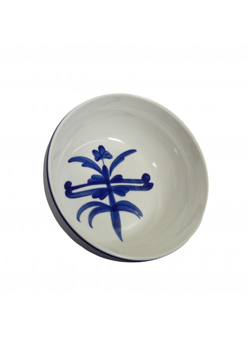 Salad bowl in painted porcelain with blue decoration