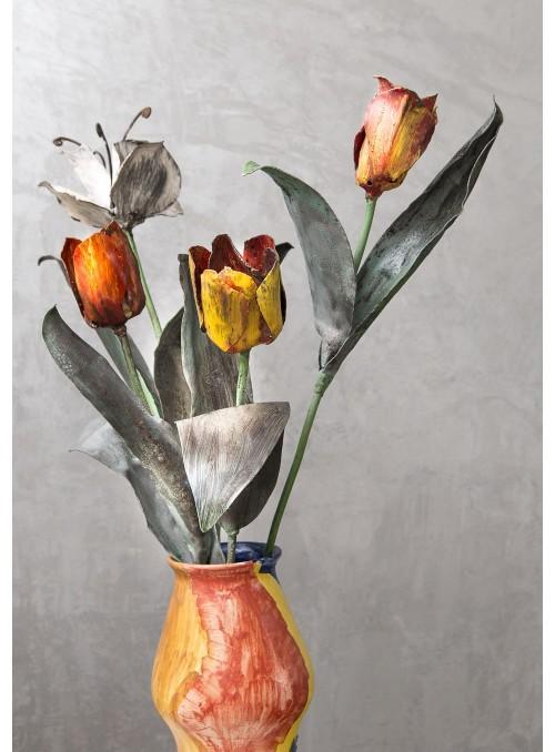 Mazzo di quattro tulipani in ferro battuto