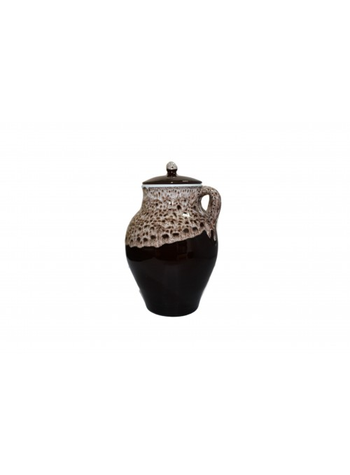 Brown fire pan for many recipes, with lace decoration