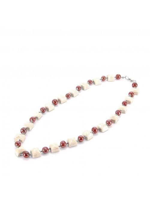 Collana di perline e quadretti rosso e avorio