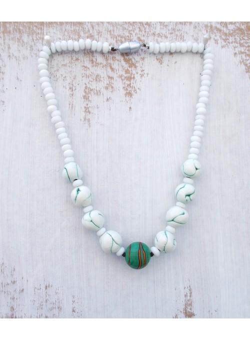 Collana in ceramica con perle colorate
