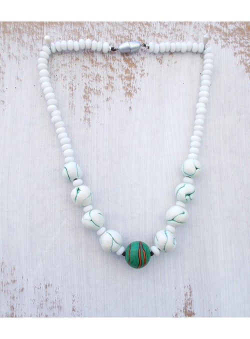 Necklace with coloured glass beads