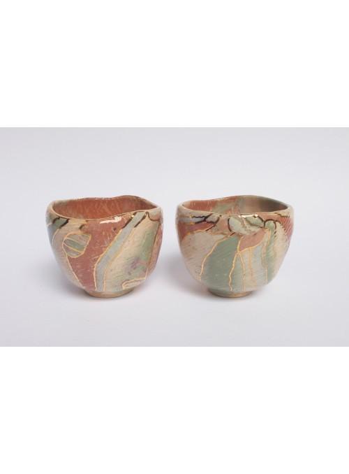 Tazza in ceramica neriage ecolorata e oro