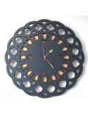Cardboard clock with abstract shape - Gotico