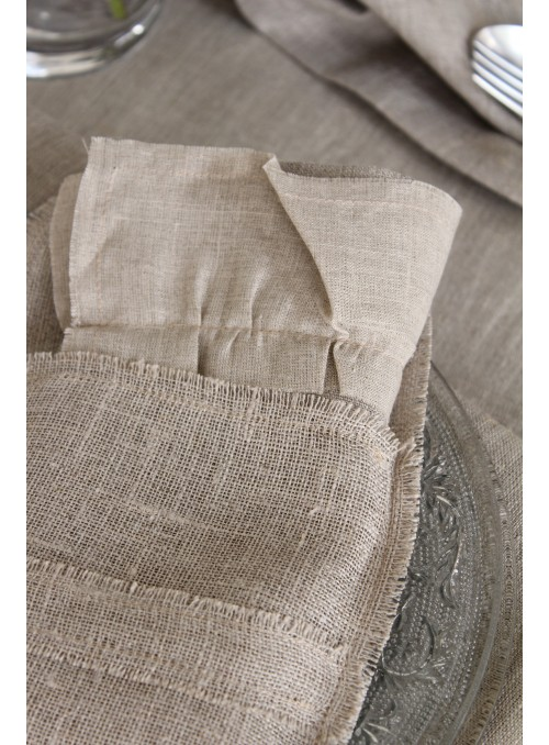 Napkin holder in linen fibres