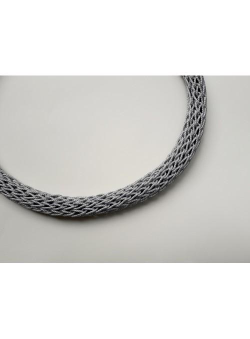 Girocollo tubolare in filo metallico argentato