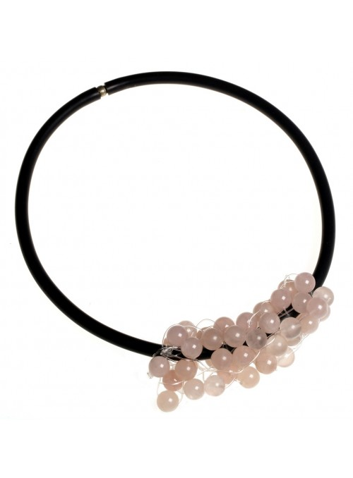 Chocker with pink quartz stones