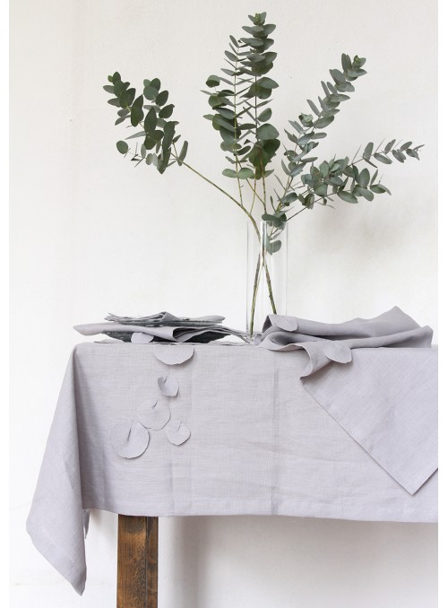 Tablecloth in pure linen with decoration, two measures - Eucalipto