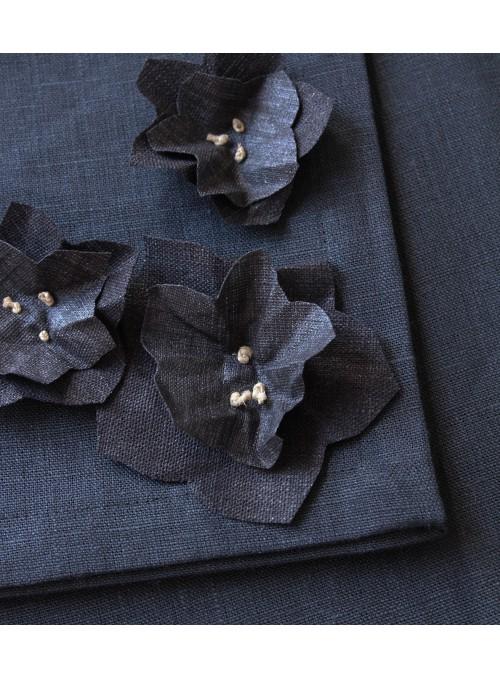 Tovaglia in lino con decorazione, in due misure - Elleboro