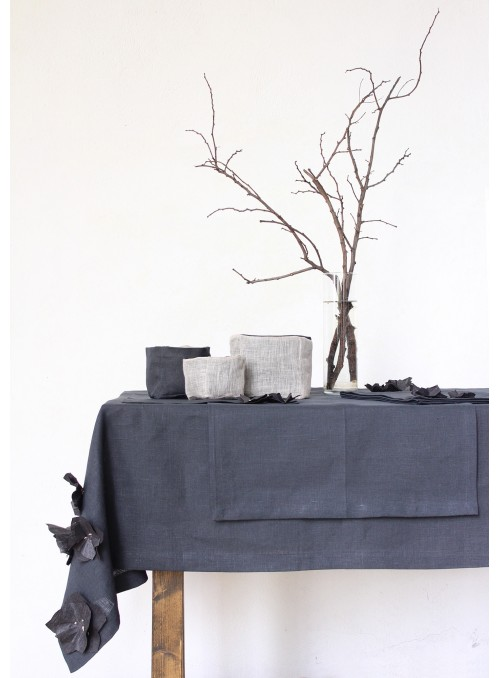 Tablecloth in pure linen with decoration, two measures - Elleboro