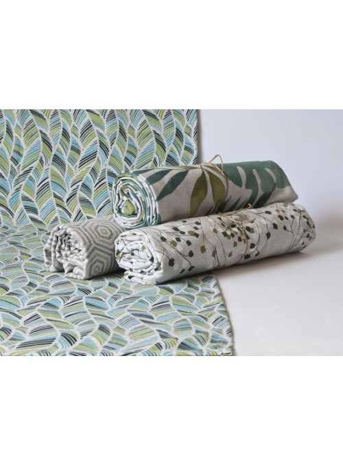 Table runner in eco friendly fabric