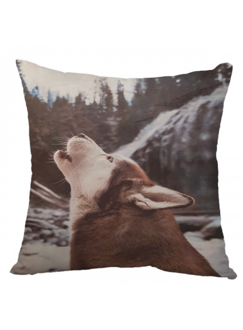 Squared cushion with a wolf - Lupo