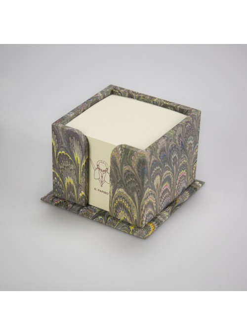 Cubical wooden memo pad box
